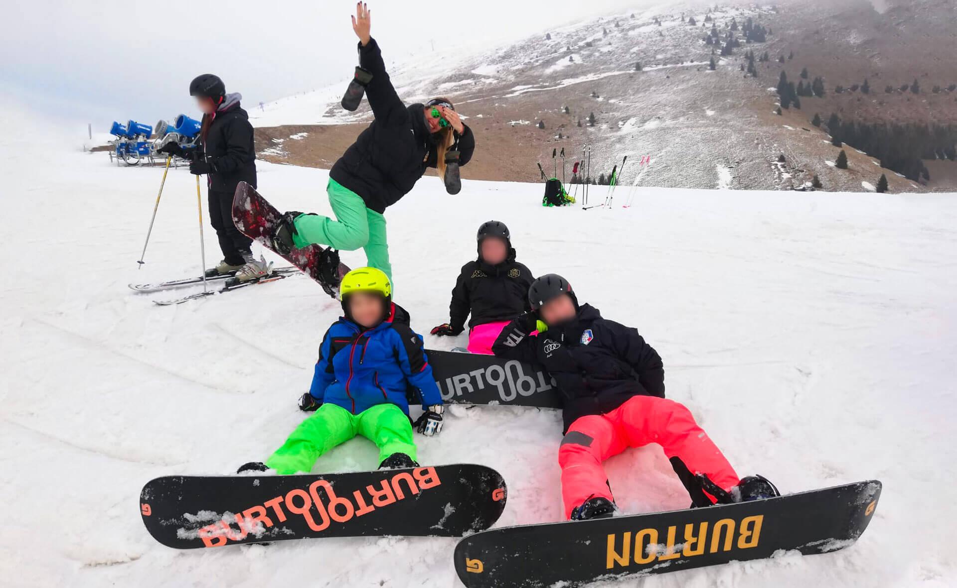 Scuola di sci per adulti e bambini